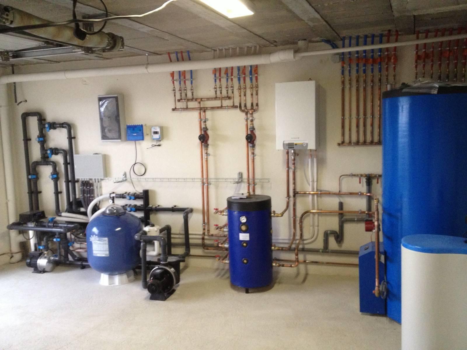 Entreprise d 39 installation de r novation et d pannage en for Chauffage local piscine interieure