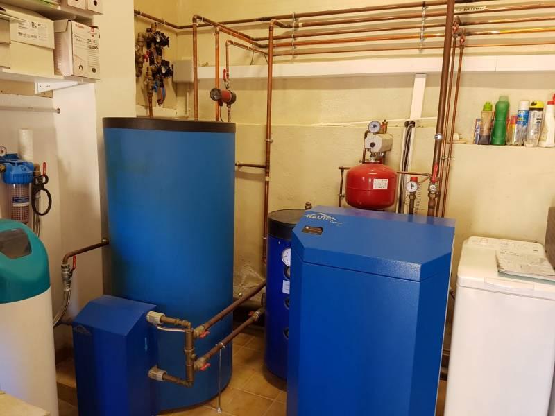 remplacement de pompe chaleur roussillon avec production d 39 eau chaude sanitaire 2016. Black Bedroom Furniture Sets. Home Design Ideas